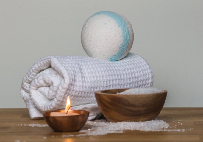 Bath bomb with Towel, Salt and Candle